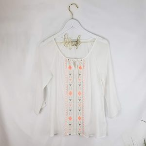 ⚈BOGO Old Navy White Embroidered Top Size M